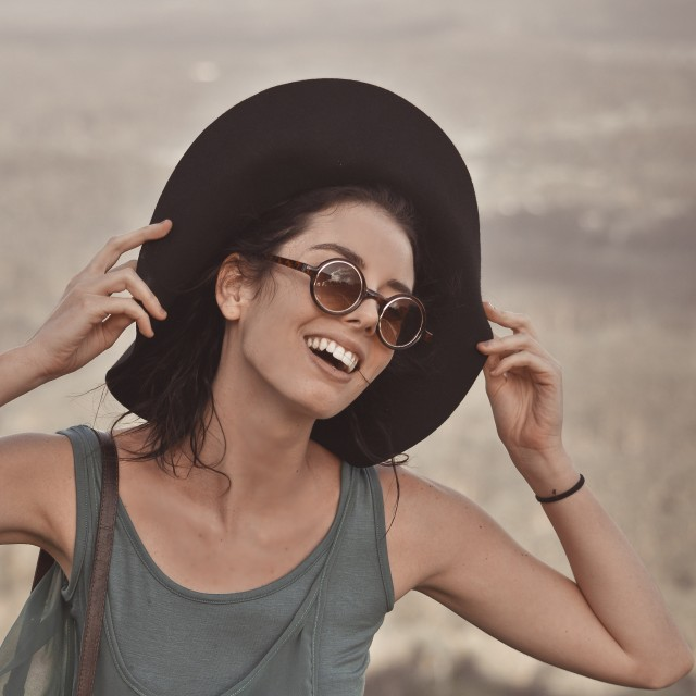 Vintage small round sunglasses